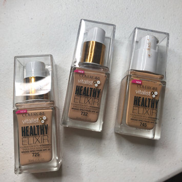 Photo of COVERGIRL Healthy Elixir Liquid Foundation uploaded by Carli S.