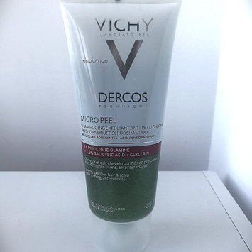 Photo of Vichy Dercos Micro Peel Anti-Dandruff Scrub Shampoo 200ml uploaded by Isabell D.