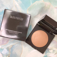 Laura Mercier Matte Radiance Baked Powder uploaded by Hiroko N.