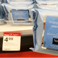 Neutrogena® Makeup Remover Cleansing Towelettes uploaded by Jαyda L.