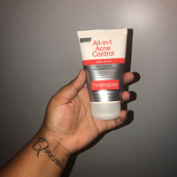 Neutrogena® All-in-1 Acne Control Facial Treatment uploaded by Elizabeth B.