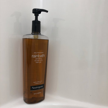 Photo of Neutrogena® Rainbath® Refreshing Shower and Bath Gel - Original uploaded by Jennifer M.