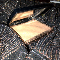 Anastasia Beverly Hills Amrezy Highlighter light brilliant gold uploaded by LIZETTE I.