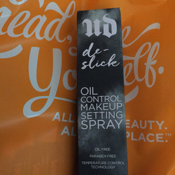 Photo of Urban Decay De-slick Oil Control Makeup Setting Spray uploaded by Tifanny L.