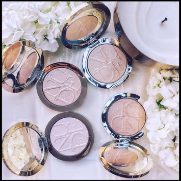 Photo of Dior Diorskin Nude Air Luminizer Powder Shimmering Sculpting Powder uploaded by Maria A.