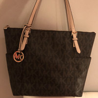 MICHAEL Michael Kors Signature Tote [] uploaded by Khady G.