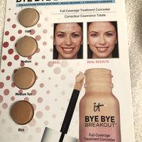 3 X It Cosmetics Bye Bye Breakout Full-coverage Concealer 4-pod Sample Carded uploaded by Noreen K.