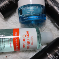 Neutrogena® Oil-Free Acne Stress Control® Triple-Action Toner uploaded by Shelby G.
