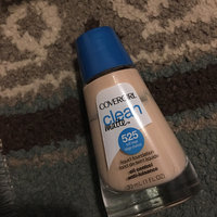 COVERGIRL Clean Matte Liquid Foundation uploaded by Husna D.