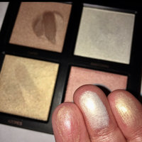 Huda Beauty 3D Highlighter Palette uploaded by Ayeman Z.