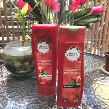 Photo of Herbal Essences Long Term Relationship Shampoo For Long Hair uploaded by Gaby D.