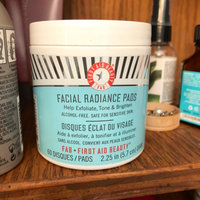 FIRST AID BEAUTY Facial Radiance Pads uploaded by 💀 V.