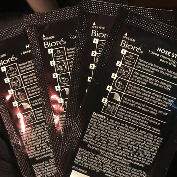 Photo of Bioré Deep Cleansing Charcoal Pore Strips uploaded by Blending B.