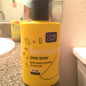 Photo of Clean & Clear Alcohol-Free Lemon Juice Facial Toner uploaded by Tashayla W.
