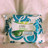 Olay Fresh Effects Everything Off Deluxe Make-up Removal Wet Cloths uploaded by Mary P.