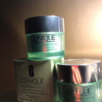 Clinique Superdefense™ Daily Defense Moisturizer Broad Spectrum SPF 20 uploaded by Abril R.