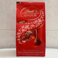 Lindt Lindor Milk Chocolate Truffles uploaded by Christy C.