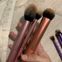 Real Techniques by Samantha Chapman Powder Brush uploaded by Vanessa E.