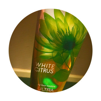 Photo of Bath & Body Works Signature Collection WHITE CITRUS Ultra Shea Body Cream uploaded by Mandy M.