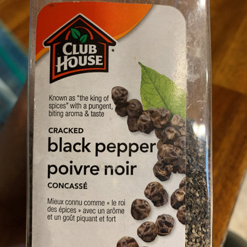Photo of Club House La Grille Spicy Pepper Medley Seasoning 740 grams - (Imported from Canada) uploaded by Lina S.