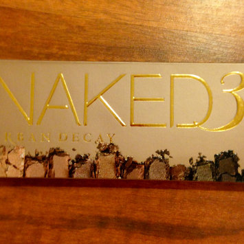 Photo of Urban Decay Naked3 Eyeshadow Palette uploaded by Nka k.