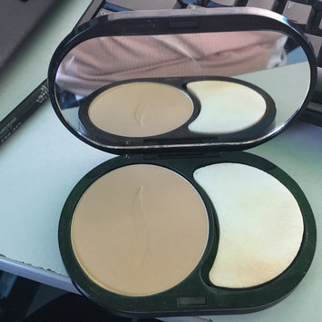 Photo of SEPHORA COLLECTION 8 HR Mattifying Compact Foundation uploaded by Karla C.