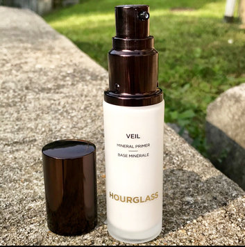 Photo of Hourglass Veil Mineral Primer SPF 15 uploaded by Carla H.