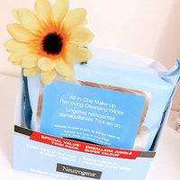 Neutrogena Makeup Removing Wipes, 25 Count, Twin Pack (.2 Pack) uploaded by Thais P.