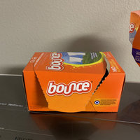 Bounce Fabric Softener Dryer Sheets Outdoor Fresh uploaded by Jesus R.