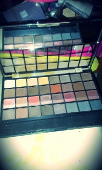 Photo of e.l.f. Studio Endless Eyes Pro Mini Eyeshadow Palette - Natural uploaded by Melanie C.