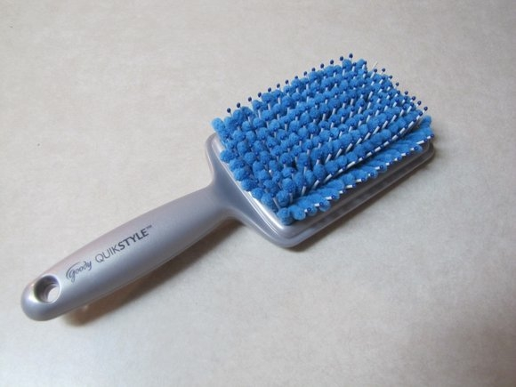 Goody® QuikStyle Paddle Brush uploaded by Lulu G.