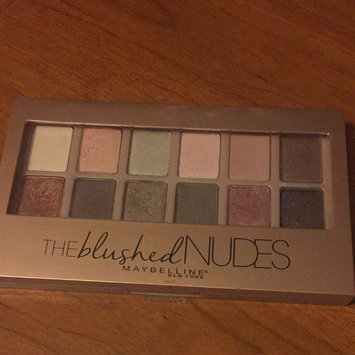 Maybelline New York Expert Wear The Blushed Nudes Shadow Palette uploaded by T M.