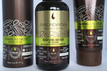 Photo of Macadamia Professional Nourishing Moisture Oil Treatment uploaded by Katie H.