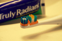 ARM & HAMMER™ pinbrush™ Truly Radiant™ Deep Clean Toothbrush uploaded by Diana B.