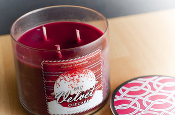 Photo of Bath Body Works Red Velvet Cupcake 3-Wick Scented Candle uploaded by Echo S.