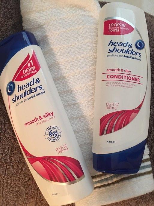 Head & Shoulders Smooth & Silky Dandruff Shampoo uploaded by Cassie Renee S.