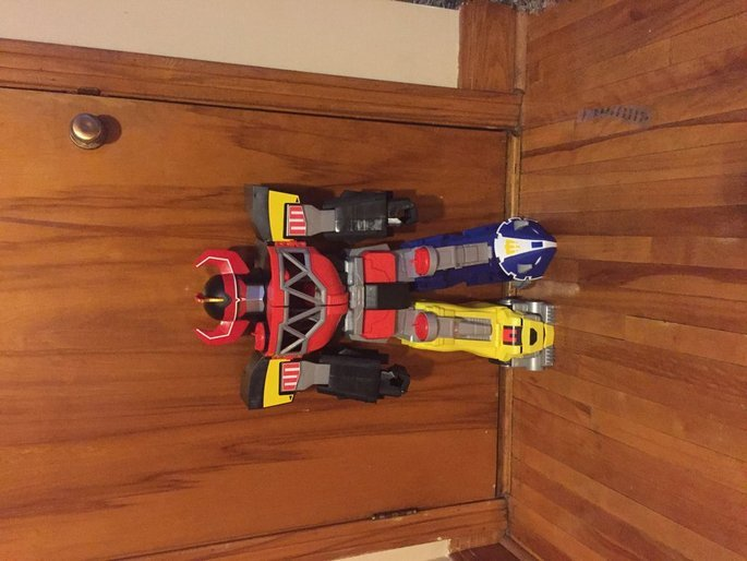 Fisher Price Fisher-Price Imaginext Power Rangers Morphing Megazord uploaded by Shericia P.