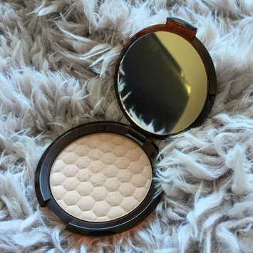 Photo of The Body Shop Honey Bronzing Powder uploaded by Amber A.