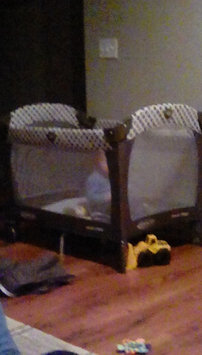 Graco Pack 'n Play Playard with Reversible Napper and Changer - Dakota uploaded by Bre D.