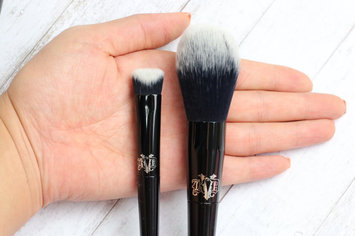 Kat Von D Lock-It Precision Powder Brush uploaded by Vanessa P.