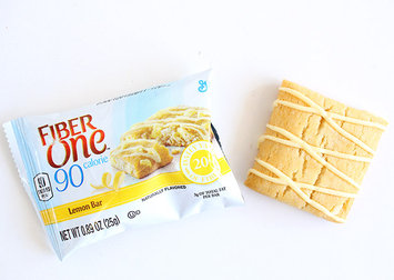 Photo of Fiber One 90 Calorie Lemon Bars uploaded by Valentina Z.