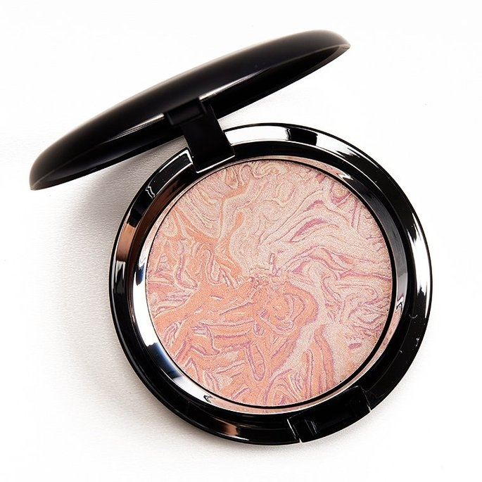 MAC 'Star Trek - Trip The Light Fantastic' Powder - Luna Luster uploaded by Yuli R.