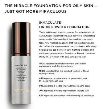 Hourglass Immaculate Liquid Powder Foundation uploaded by Eliana M.