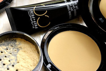 Photo of M.A.C Cosmetics Prep + Prime CC Colour Correcting Loose Powder uploaded by AnnieJo T.