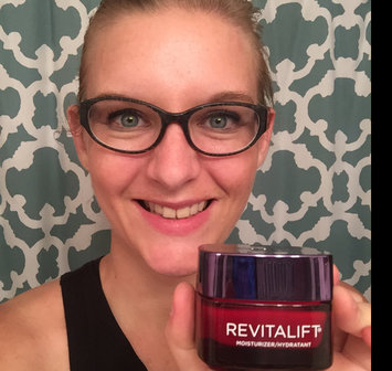 Photo of L'Oréal Paris RevitaLift® Triple Power™ Intensive Skin Revitalizer Serum + Moisturizer uploaded by Stacy B.