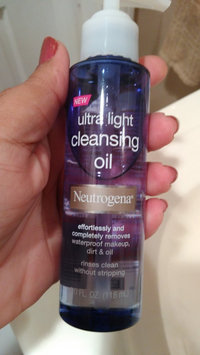 Neutrogena Ultra Light Cleansing Oil uploaded by Mercedes L.