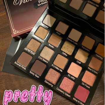 Photo of Violet Voss PRO Eyeshadow Palette - HG uploaded by Carly M.