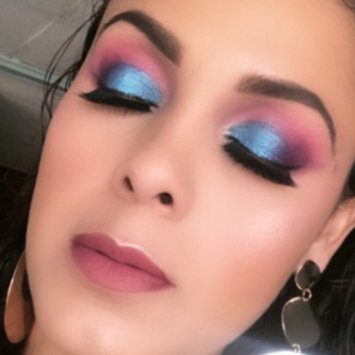 Photo of KARA Makeup Palette ES01 - 35 color Bright & Matte Eyeshadow uploaded by Iris C.