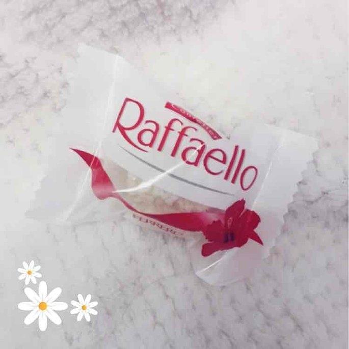 Confetteria Raffaello Almond Coconut Treat uploaded by Nhat H.