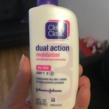 Photo of Clean & Clear® Essentials Dual Action Moisturizer uploaded by Gladys R.